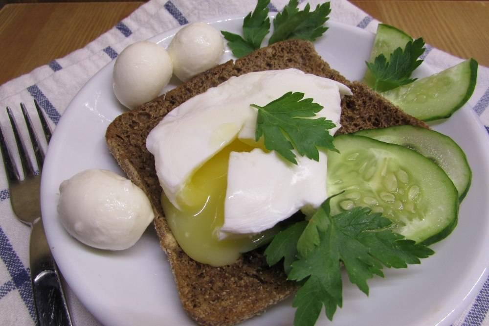 Яйцо-пашот в микроволновке: как приготовит по рецепту без уксуса
