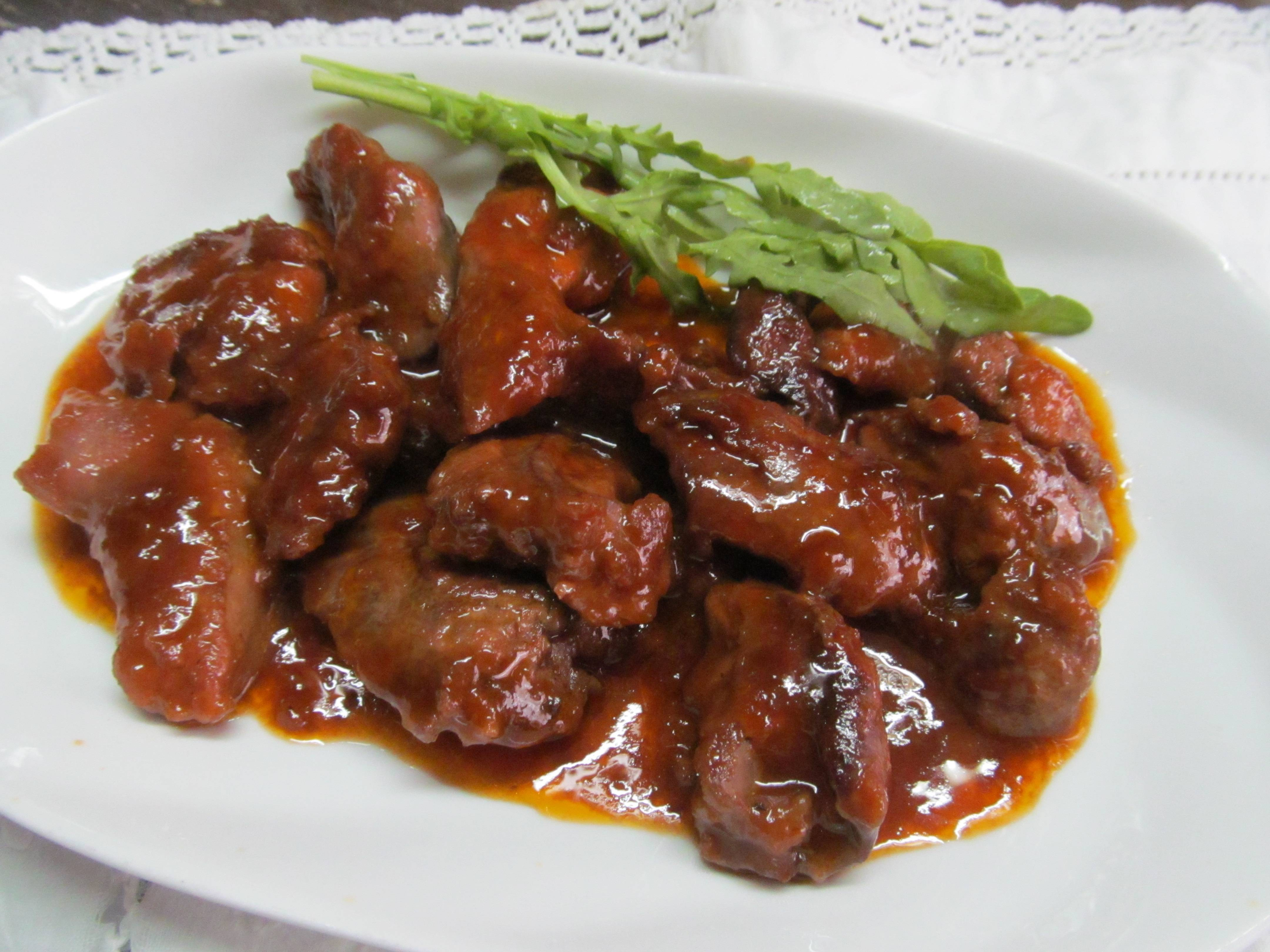Печень куриная под яблочно-медовым соусом