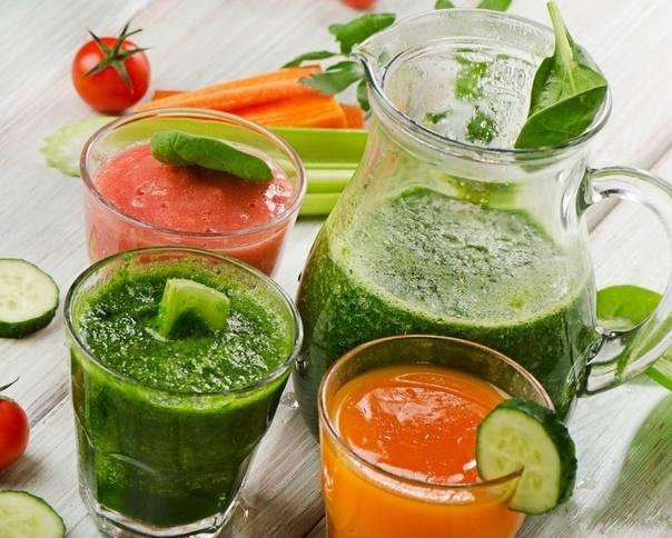 5 рецептов полезных и сытных смузи, которые заменят вам завтрак