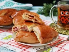 Булочки-косички с колбасой