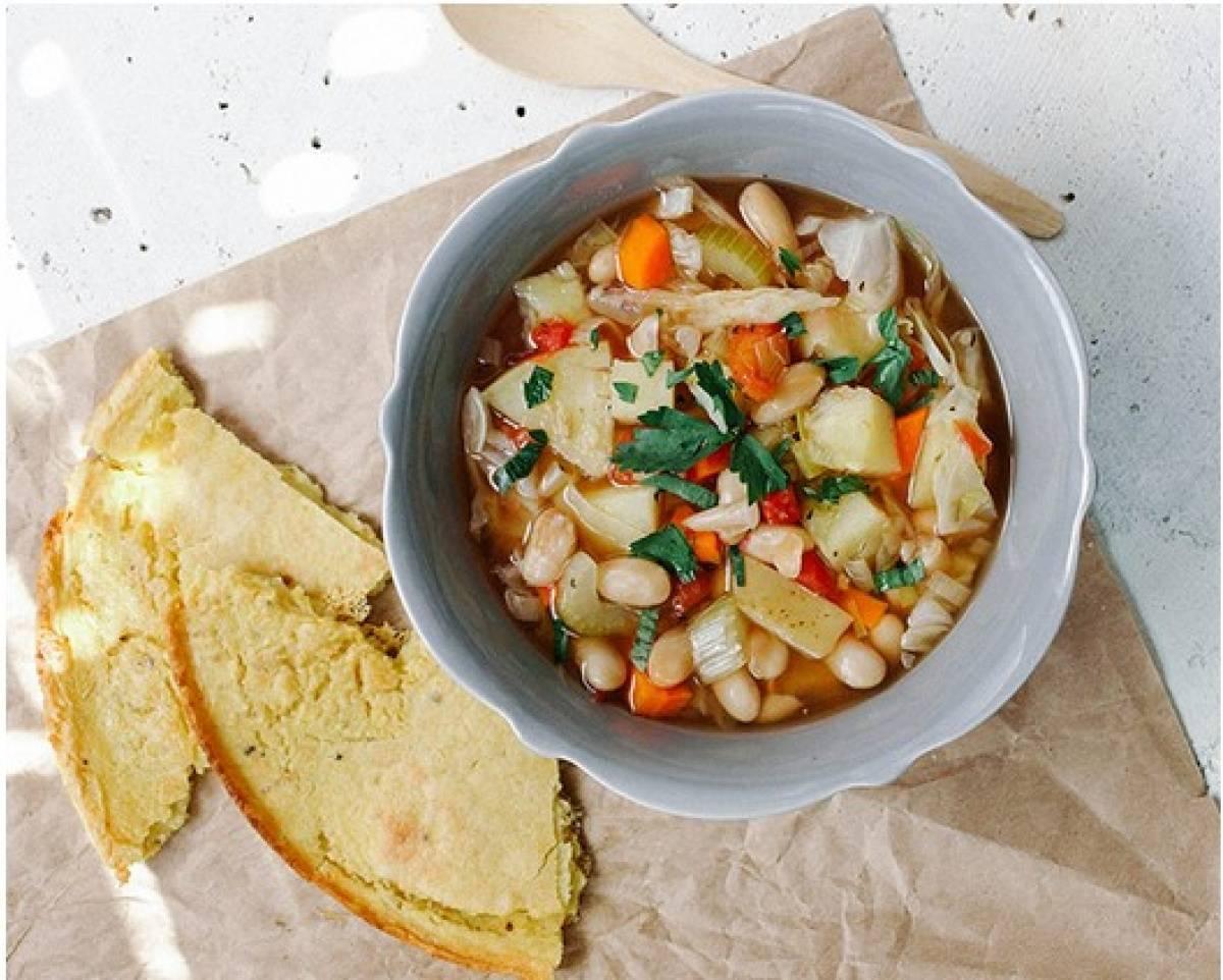 Тосканский суп с фасолью и макаронами