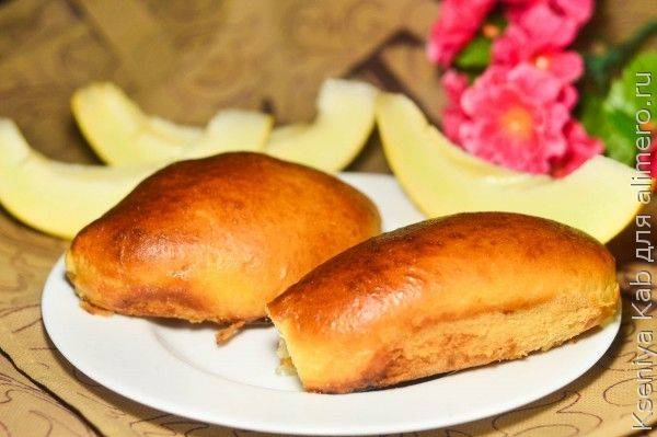 Пирожки с дыней и яблоками