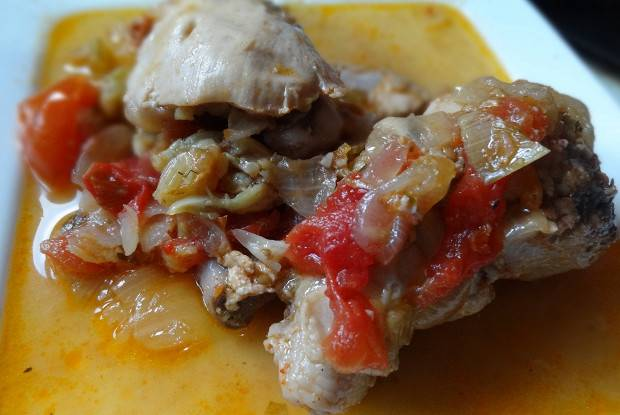 Фаршированный перец со сливами и курицей