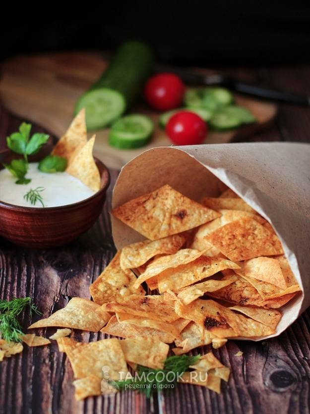 Чипсы из лаваша — 8 рецептов в духовке, микроволновке и на сковородке