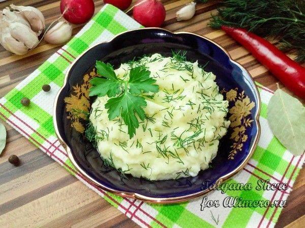 Картофельный суп-пюре с корнем сельдерея