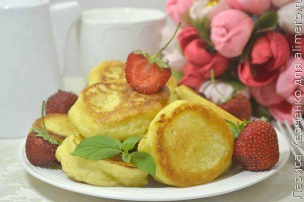 Пышные оладьи с начинкой - простая и вкусная домашняя выпечка