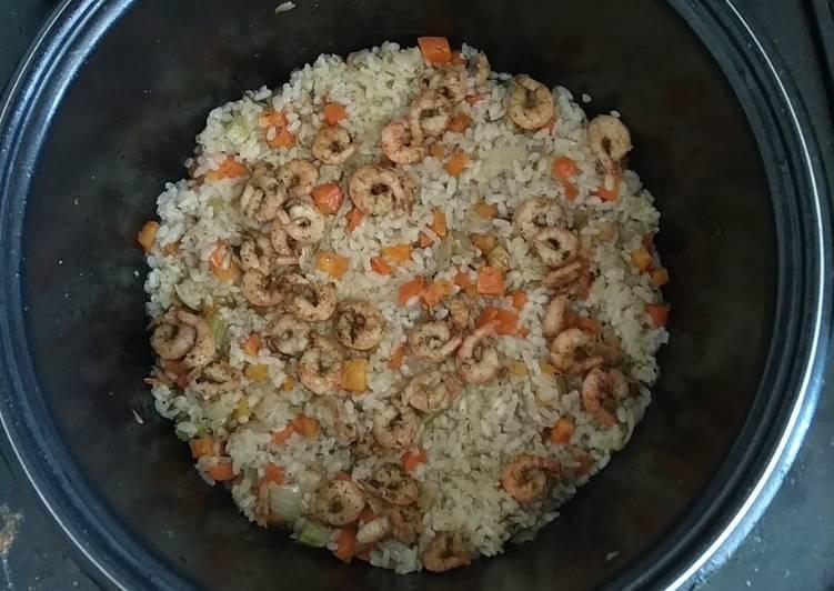 Свинина с рисом и ароматом чеснока