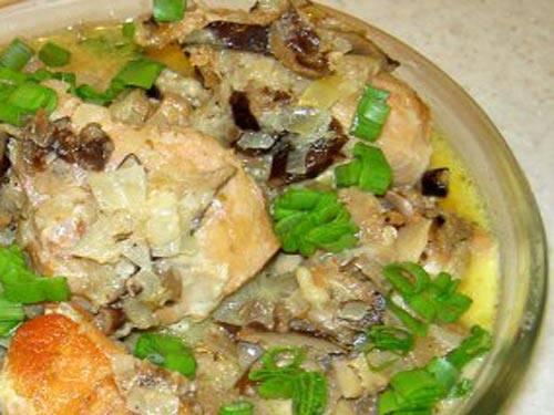Тушеный кролик. рецепт простого блюда из кролика. кролик с грибами в сливочном соусе