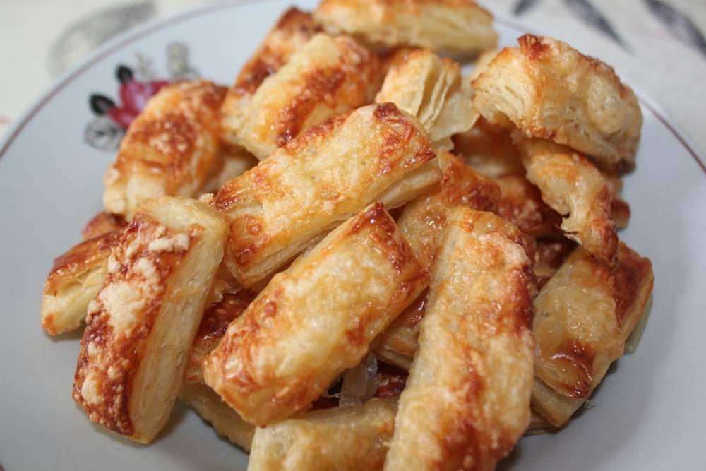 Рецепты из слоеного теста – как приготовить хачапури, пиццу, сосиски в тесте, самсу, пирог, курник и штрудель