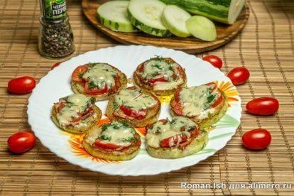 Пицца на сковороде за 5 минут с сыром и колбасой