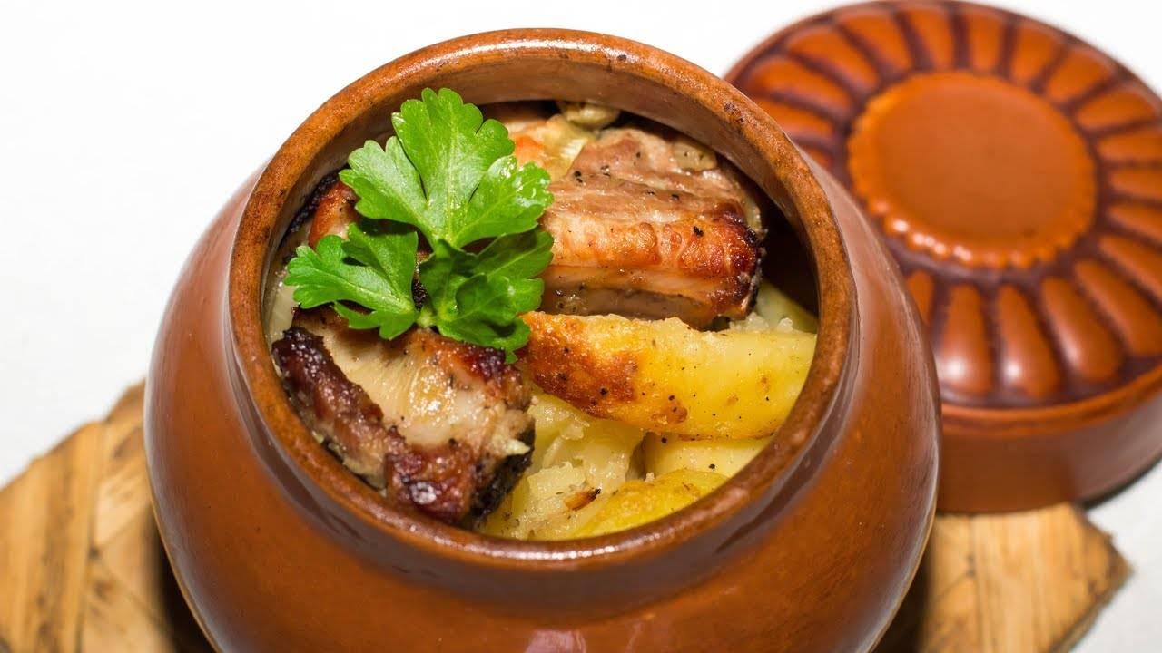 Мясо в горшочках с картошкой в духовке: 61 домашний вкусный рецепт