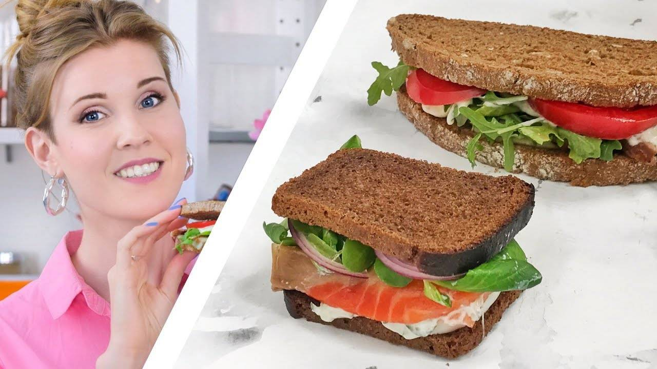 Бутерброды с пастой из авокадо и помидорами