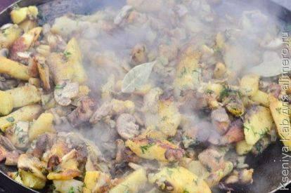 Картошка с грибами - сытный ужин с лесным ароматом