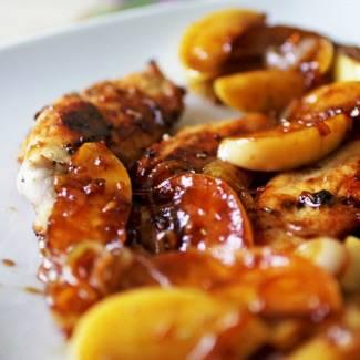 Куриная грудка с яблоками рецепт с фото