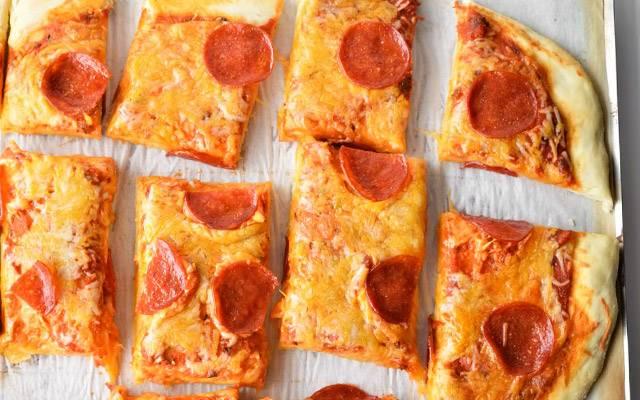 Классический рецепт теста для пиццы позволит даже новичкам испечь настоящий кулинарный шедевр