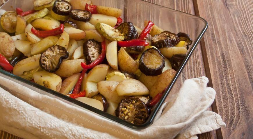 Запеченные овощи в духовке в фольге, рукаве и в горшочках