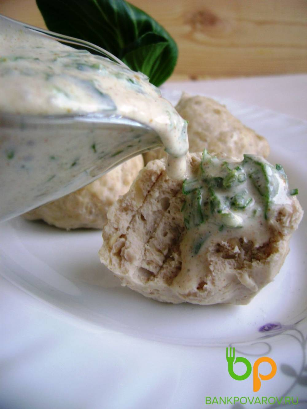 Диетические куриные тефтели на пару с йогуртовым соусом - пошаговый рецепт с фото на сайте банк поваров