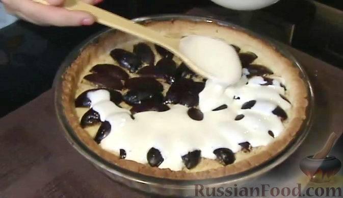 Заливной пирог со сливами в духовке, мультиварке или на сковороде - рецепты на кефире, молоке, сметане