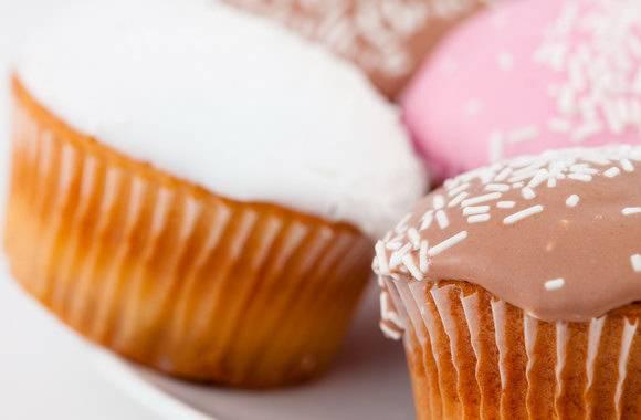 3 изысканных и одновременно простых рецепта глазури для кексов