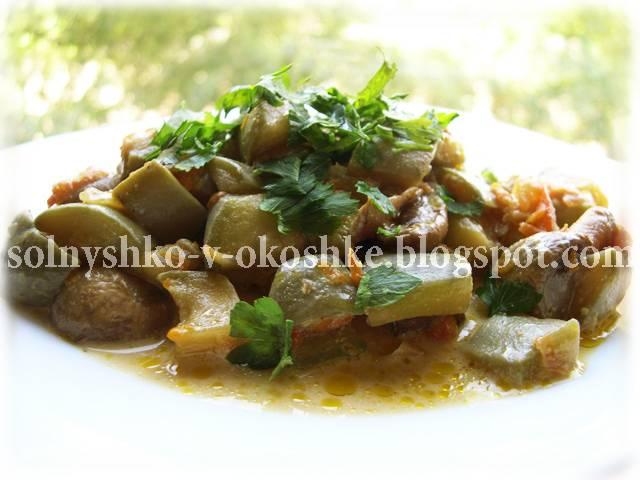 Тушеные кабачки с овощами в духовке, мультиварке, на сковороде - рецепты с грибами, курицей и сметаной