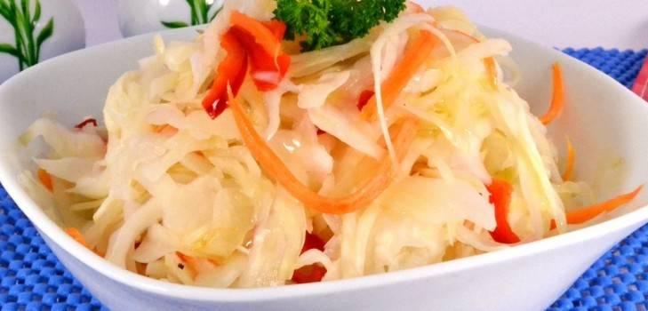 Вкусная хрустящая квашеная капуста в рассоле, рецепт с фото