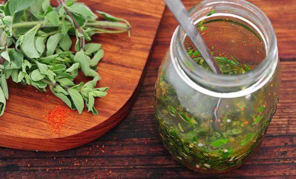 Аргентинский соус чимичурри к жареному мясу за 10 минут