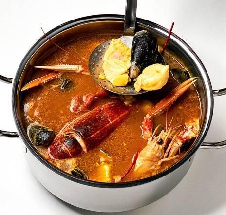 Cливочный рыбный cуп с морепродуктами