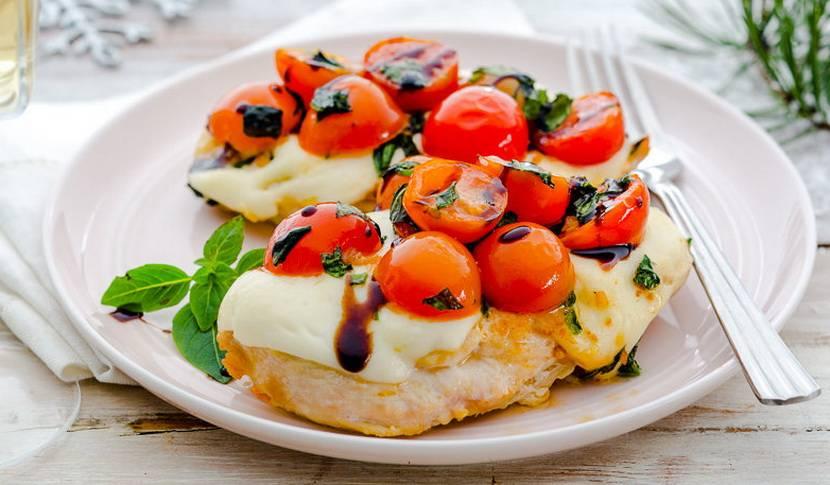 Куриная грудка с помидорами и сыром в духовке. пошаговый рецепт с фото • кушать нет