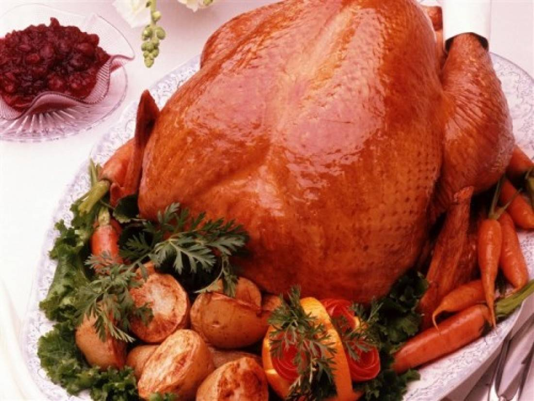 Как вкусно запечь курицу в рукаве духовке, с картошкой - рецепты