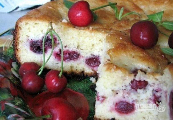 Пирог с вишней на нежном тесте — хит сезона!