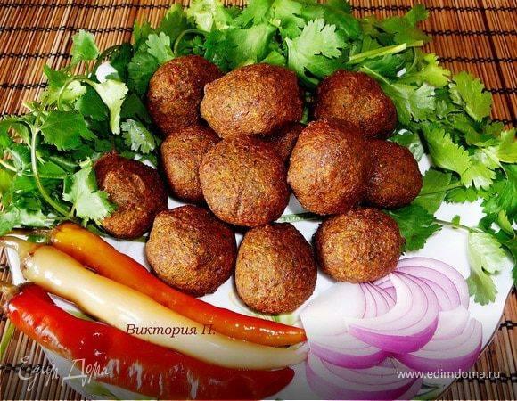 Фалафель с хумусом и тремя дипами рецепт | гранд кулинар