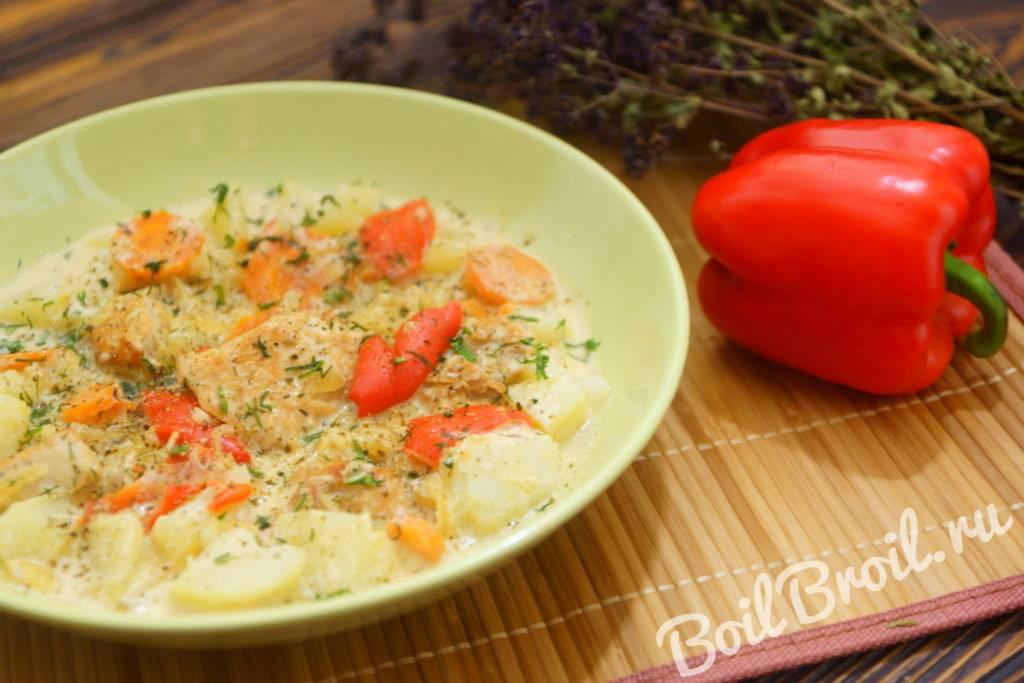 Индейка в сливочно-томатном соусе