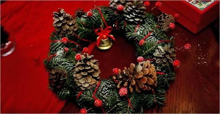 Салаты и закуски в виде рождественских венков