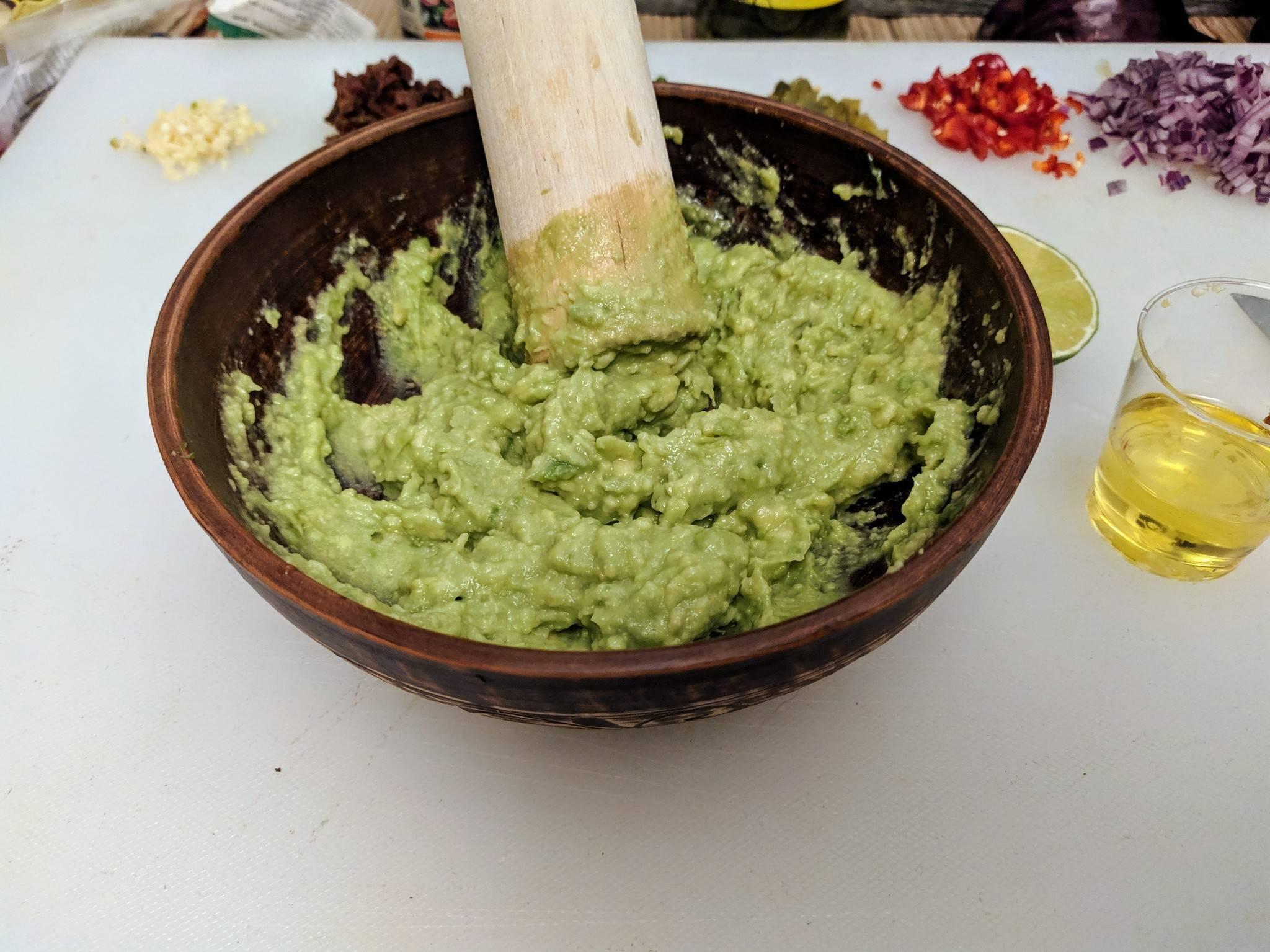 Как приготовить классический соус гуакамоле своими руками