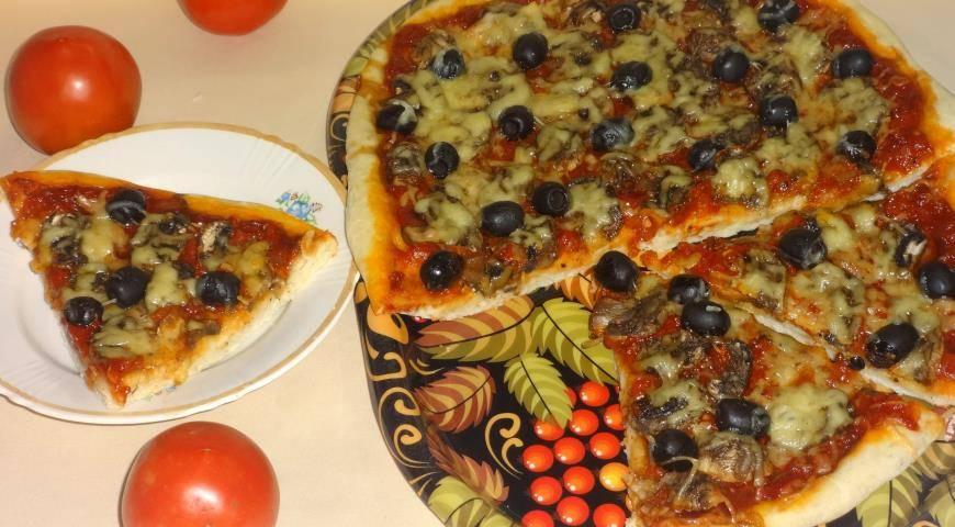 Сырные кексы с оливками, грибами и паприкой