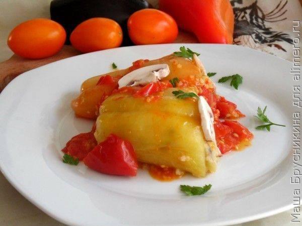Очень вкусные фаршированные перцы с рисом и грибами в томатном соусе— постный рецепт