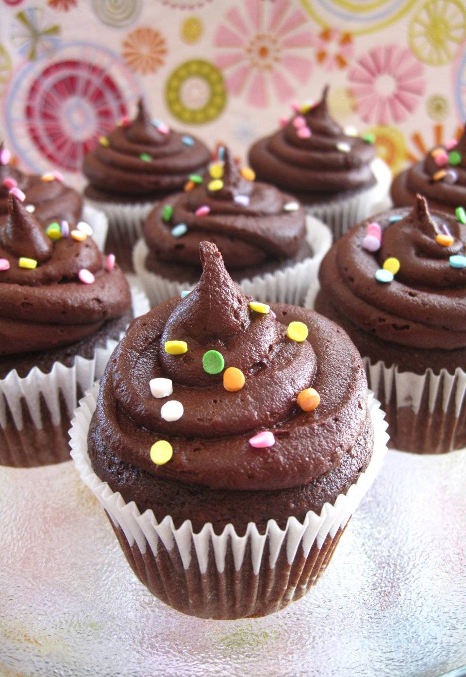Глазурь для кексов, белая и шоколадная: 3 простых рецепта