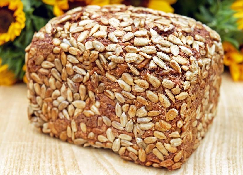 Хлеб со свёклой и укропом