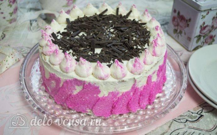 Бисквитный торт с заварным кремом и фруктами