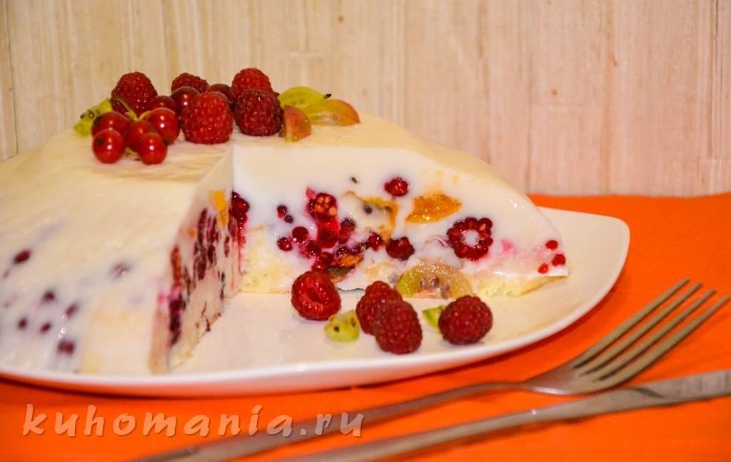 Пирог из наливного теста на йогурте