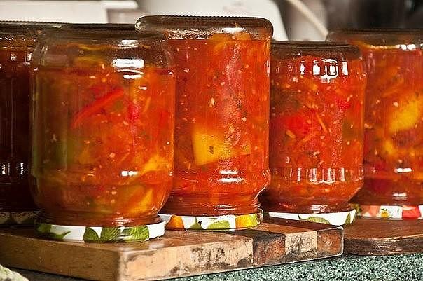 Лечо с морковью - рецепты с добавлением перца, лука, томатной пасты и чеснока