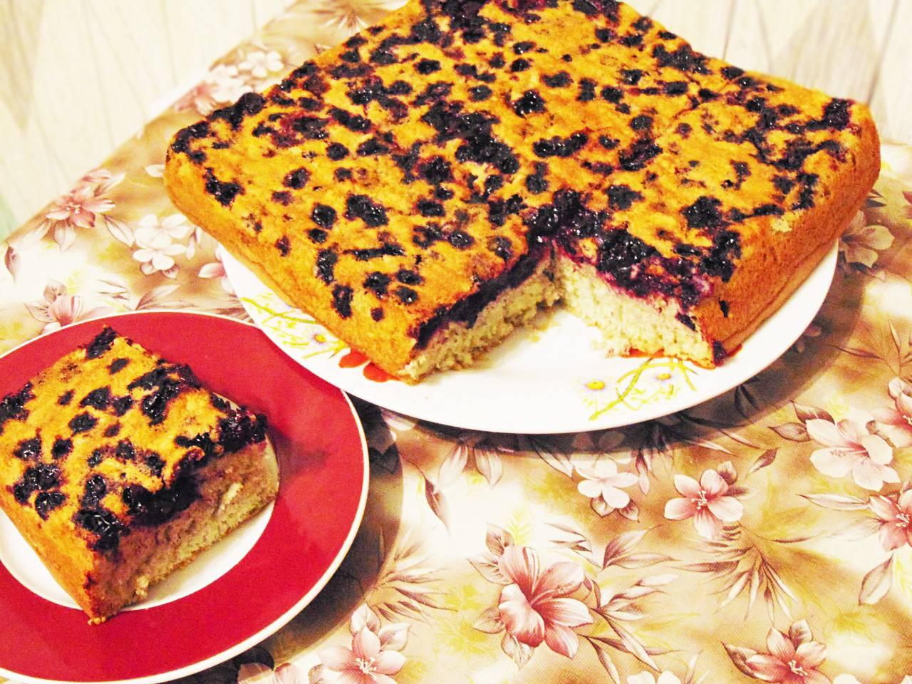 Сметанный тарт с черной смородиной