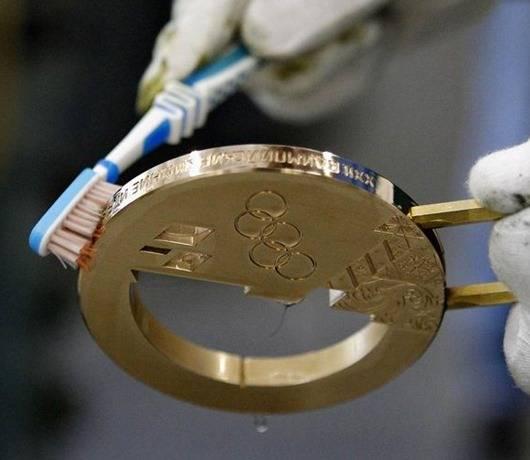 Из чего делают олимпийские медали и сколько они стоят
