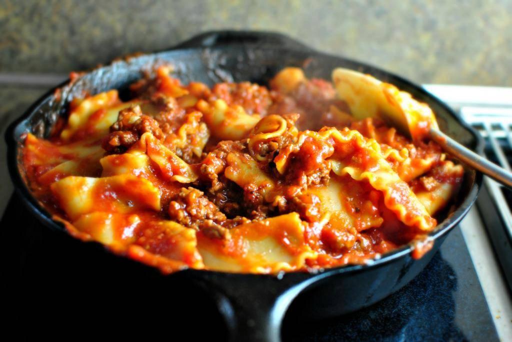 Как приготовить ленивую лазанью в сковороде? пошаговый рецепт с фото.