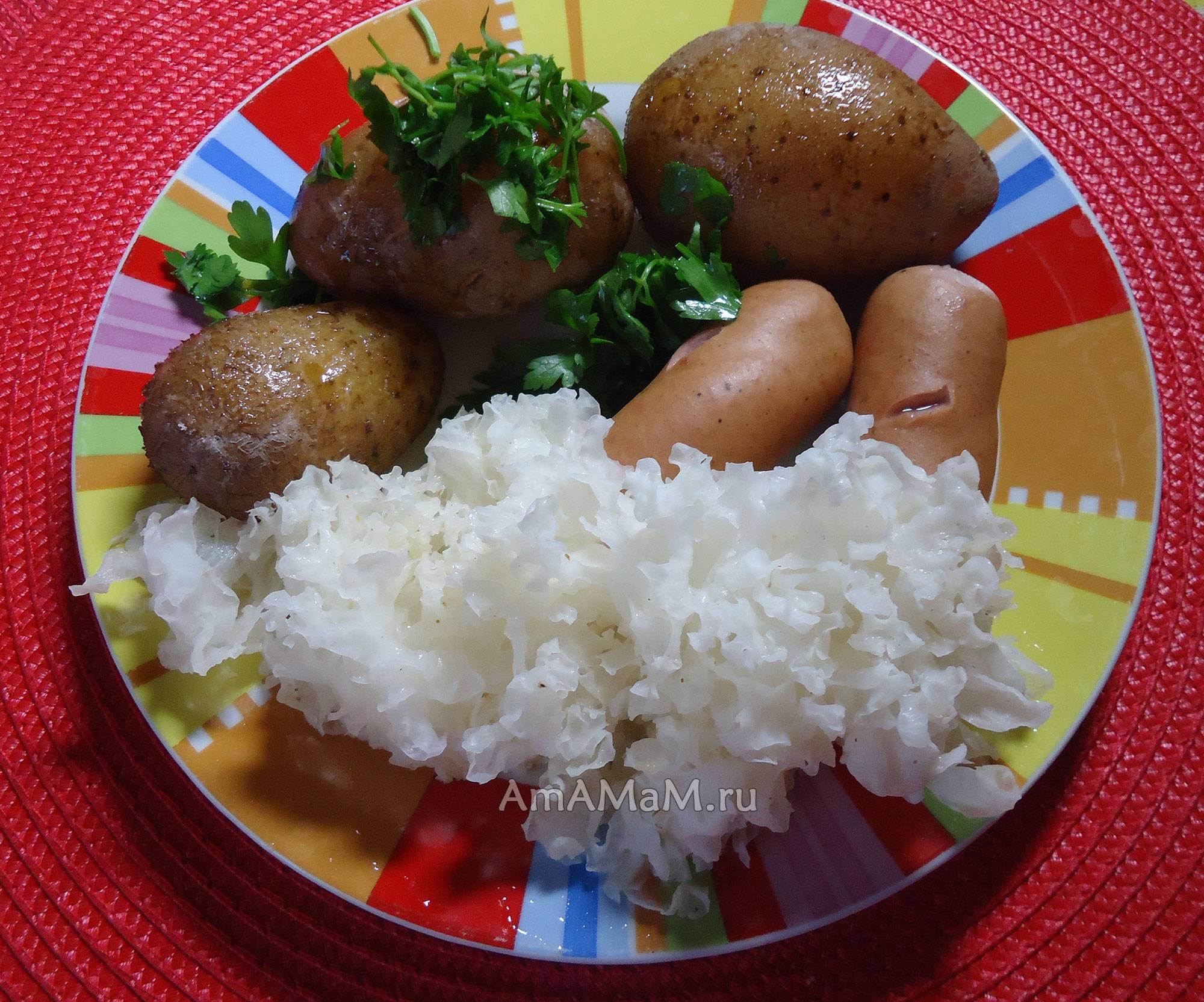 Салат с древесными грибами по-китайски