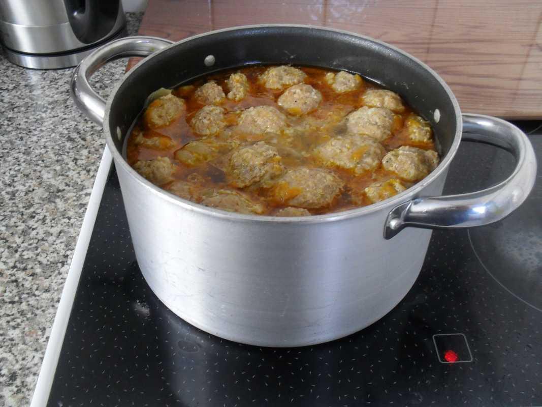 Как приготовить рассольник: классический рецепт с перловкой и солёными огурцами + 7 видов других рецептов