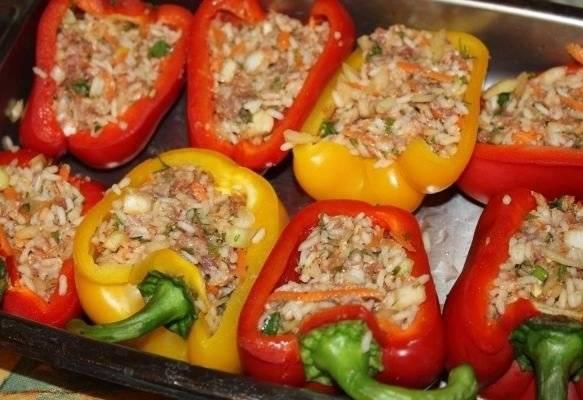Перцы, фаршированные в духовке: рецепт приготовления с фото