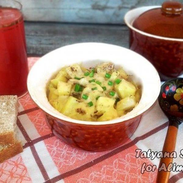 Картошка с рисом с сосисками в горшочке рецепт с фото