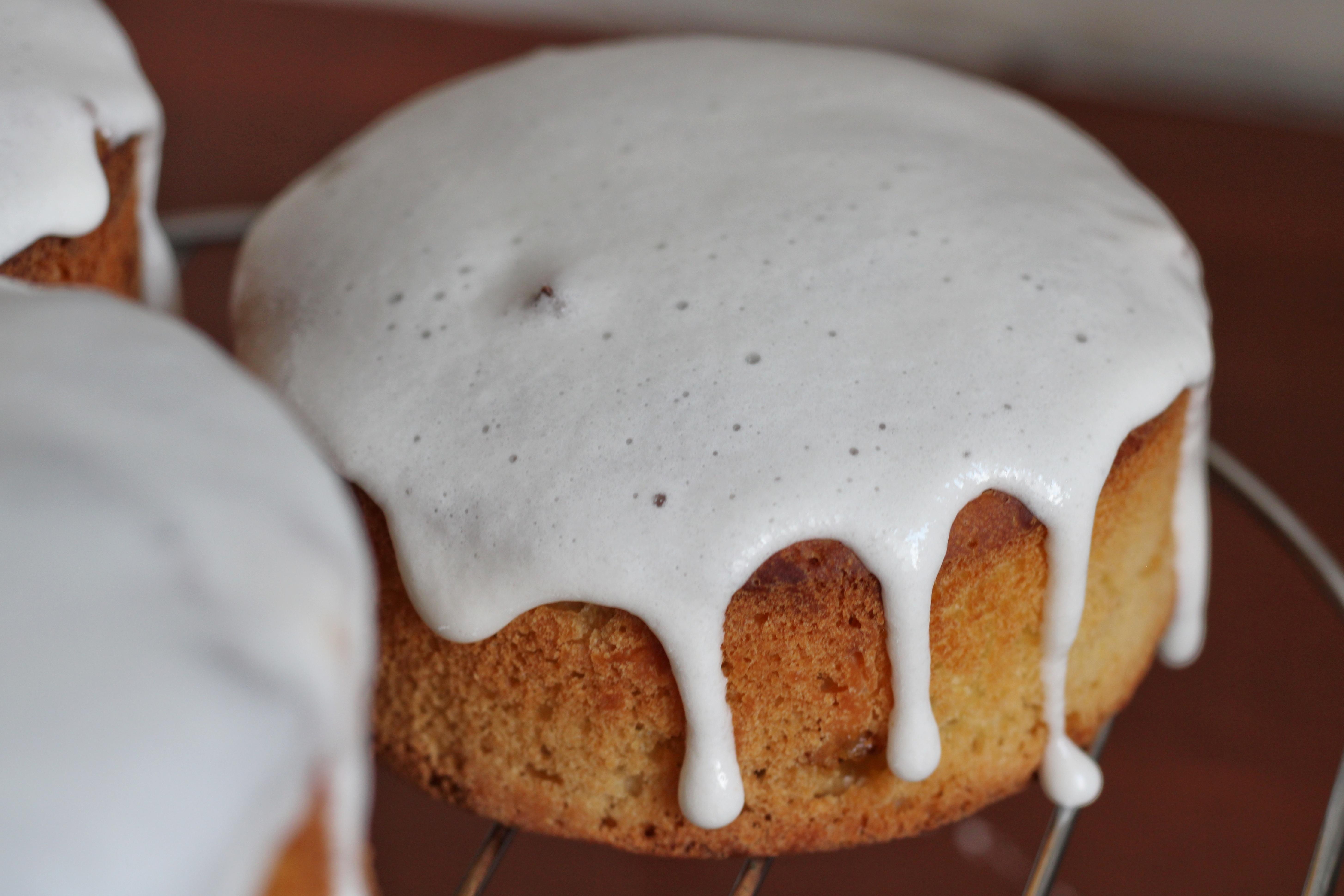 9 рецептов сахарной глазури для ваших новогодних десертов