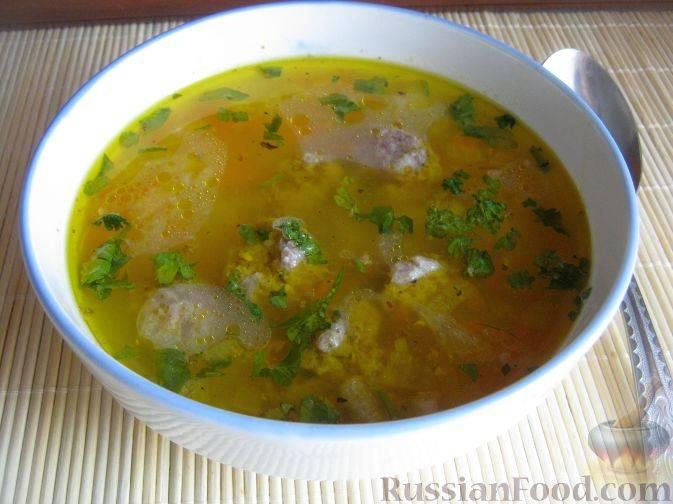 Суп с фрикадельками, рисом и картошкой